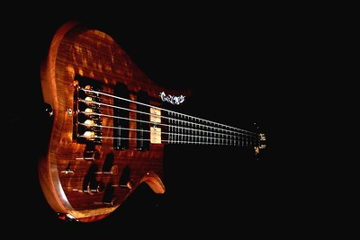 008 Marozi 5-string bolt-on prototype. Photos: Marc Pagano
