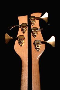 IMG_0606 BLDesign.us: 008 Marozi 5-string bolt-on prototype. Photos: Marc Pagano. Slideshow Music: Nick Rosenthal and Beau Leopard.  All Content © 2005-2007 Beau Leopard Design .:. Custom Bass Guitars