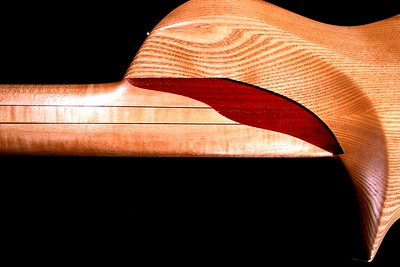 IMG_3020 BLDesign.us: 011 Barbary 6-string set-neck prototype. Photos: Marc Pagano. Slideshow Music: Nick Rosenthal and Beau Leopard.  All Content © 2005-2007 Beau Leopard Design .:. Custom Bass Guitars