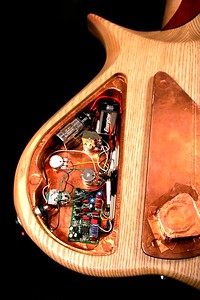 IMG_3017 BLDesign.us: 011 Barbary 6-string set-neck prototype. Photos: Marc Pagano. Slideshow Music: Nick Rosenthal and Beau Leopard.  All Content © 2005-2007 Beau Leopard Design .:. Custom Bass Guitars