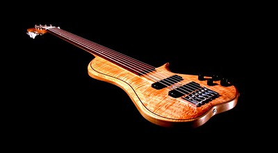 IMG_3040 BLDesign.us: 011 Barbary 6-string set-neck prototype. Photos: Marc Pagano. Slideshow Music: Nick Rosenthal and Beau Leopard.  All Content © 2005-2007 Beau Leopard Design .:. Custom Bass Guitars