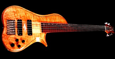 IMG_3005  BLDesign.us: 011 Barbary 6-string set-neck prototype. Photos: Marc Pagano. Slideshow Music: Nick Rosenthal and Beau Leopard.  All Content © 2005-2007 Beau Leopard Design .:. Custom Bass Guitars