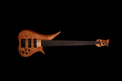 #016 Marozi 5 String Bass