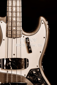 270.1834 Fender 1965 Jazz Bass Black and White