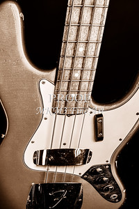 268.1834 Fender 1965 Jazz Bass Black and White
