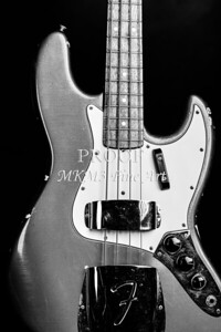 277.1834 Fender 1965 Jazz Bass Black and White