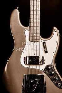 276.1834 Fender 1965 Jazz Bass Black and White
