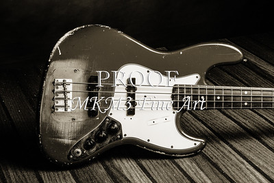 360.1834 Fender Red Jazz Bass Guitar in BW
