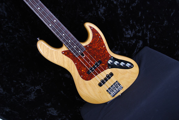 J4 Bass, Aged Natural