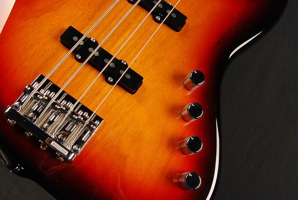 J4 Fretless Bass, '59 Burst