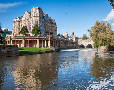 Pulteney Bridge, river Avon