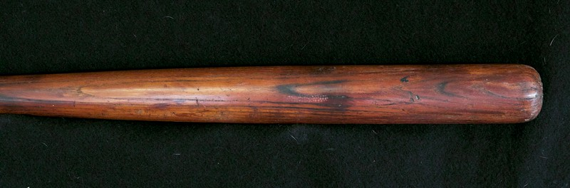 Eddie Collins 1910/1915 Decal Bat; JF Hillerich & Son Co. 40EC