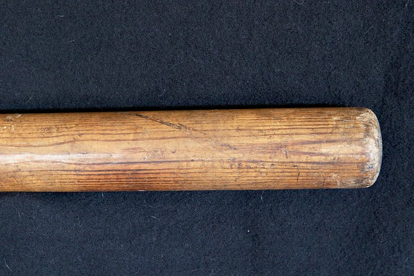 Frank Baker 1910/1915 Decal Bat; 40FB
