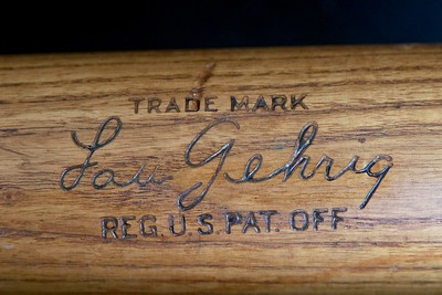 Lou Gehrig (HOF '39) 1928/1930 Hillerich & Bradsby 40 LG - Louisville Slugger