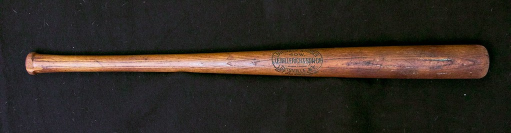 Honus Wagner 1910/1915 Decal Bat; JF Hillerich & Son Co.; 40W