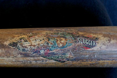 Honus Wagner (HOF '36) 1911/1916 Side-Written Decal Bat; JF Hillerich & Son Co.; 40W