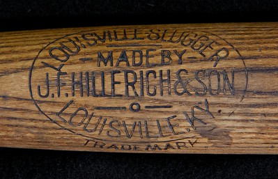 JF Hillerich & Son 1900/1905;  Ball Balanced Bat;