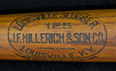 JF Hillerich & Son Co Bat; 1914/1915 Early 125 Pro model