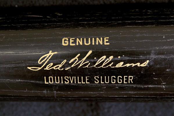 Ted Wlliams 1961/1964 Black Louisville Slugger
