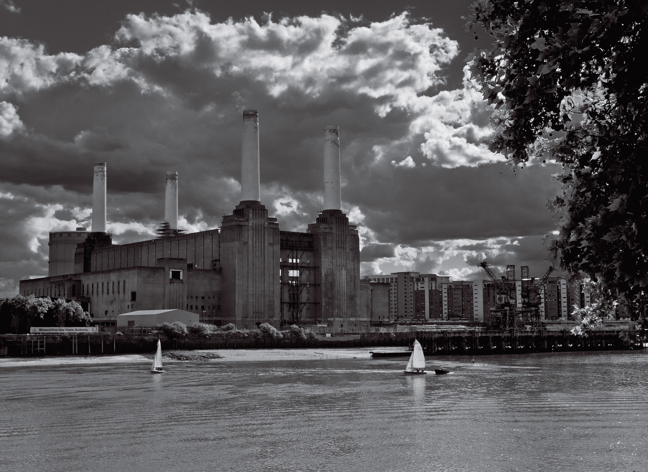 Sailing on the River Thames in front of Battersea Power Station