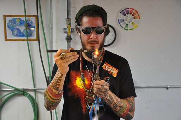 2013-BATTLE OF GLASS BLOWERS