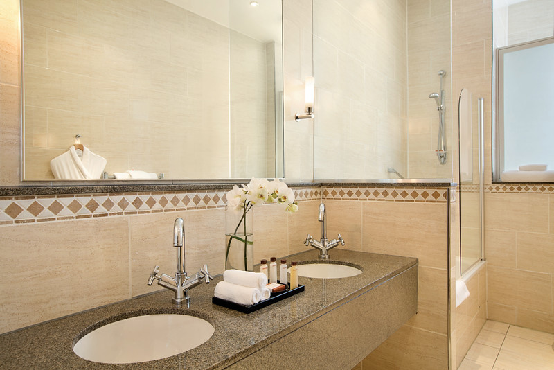 Waldorf Astoria Edinburgh - One Bedroom Suite / Bathroom