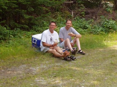 Cecil and Steve -- lunch stop at Burnt Mountain