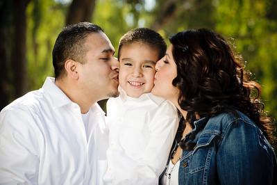 0708-d3_Lupe_Natural_Bridges_Santa_Cruz_Maternity_Family_Photography