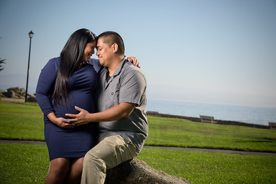 5079_d810a_Melissa_and_Xavier_Lovers_Point_Pacific_Grove_Maternity_Photography