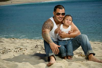 8838_d800b_Tanya_Guillermo_Stewarts_Cove_Carmel_Beach_Family_Maternity_Photography