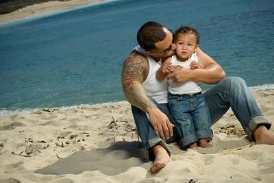 8839_d800b_Tanya_Guillermo_Stewarts_Cove_Carmel_Beach_Family_Maternity_Photography