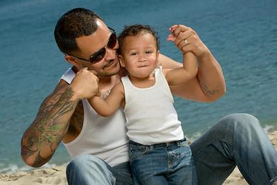 8845_d800b_Tanya_Guillermo_Stewarts_Cove_Carmel_Beach_Family_Maternity_Photography