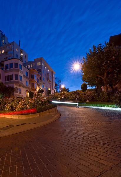 Lombard Night<br /> <br /> Lombard Street, San Francisco