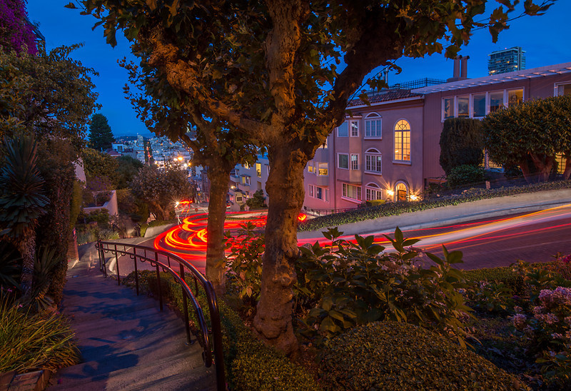 Lombard Walk<br /> <br /> Lombard Street, San Francisco