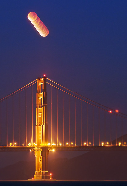 Shoot the Moon<br /> <br /> 2011 Lunar Eclipse from Chrissy Field, San Francisco, CA