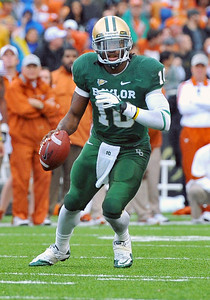 03 Dec 2011:   Baylor Bears quarterback Robert Griffin III (10) runs with the ball during the game between the Texas Longhorns and the Baylor Bears at Floyd Casey Stadium in Waco Texas. Baylor wins 48-24 Manny Flores/CSM(Credit Image: © Manny Flores/Cal Sport Media/ZUMAPRESS.com)