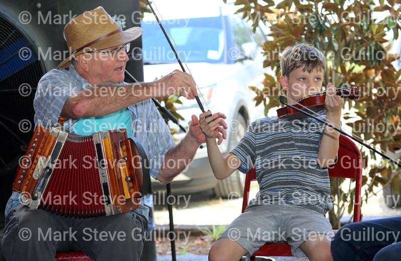 Music Jam, Bayou Teche Brew, Arnaudville, Louisiana 08052018 033