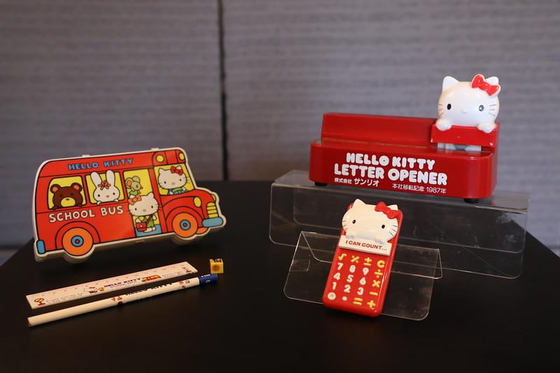 Sanrio vintage items (1)