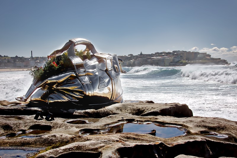 Sculptures By The Sea 2016 - Yumin Jing, Travelling Bag