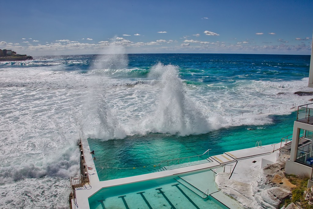 Bondi Icebergs - Waves in motion