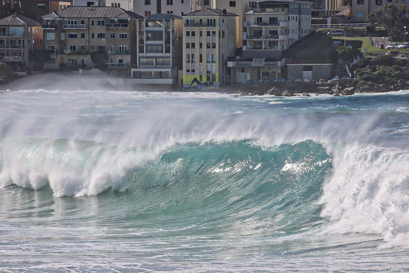 Bondi Beach Swell 09