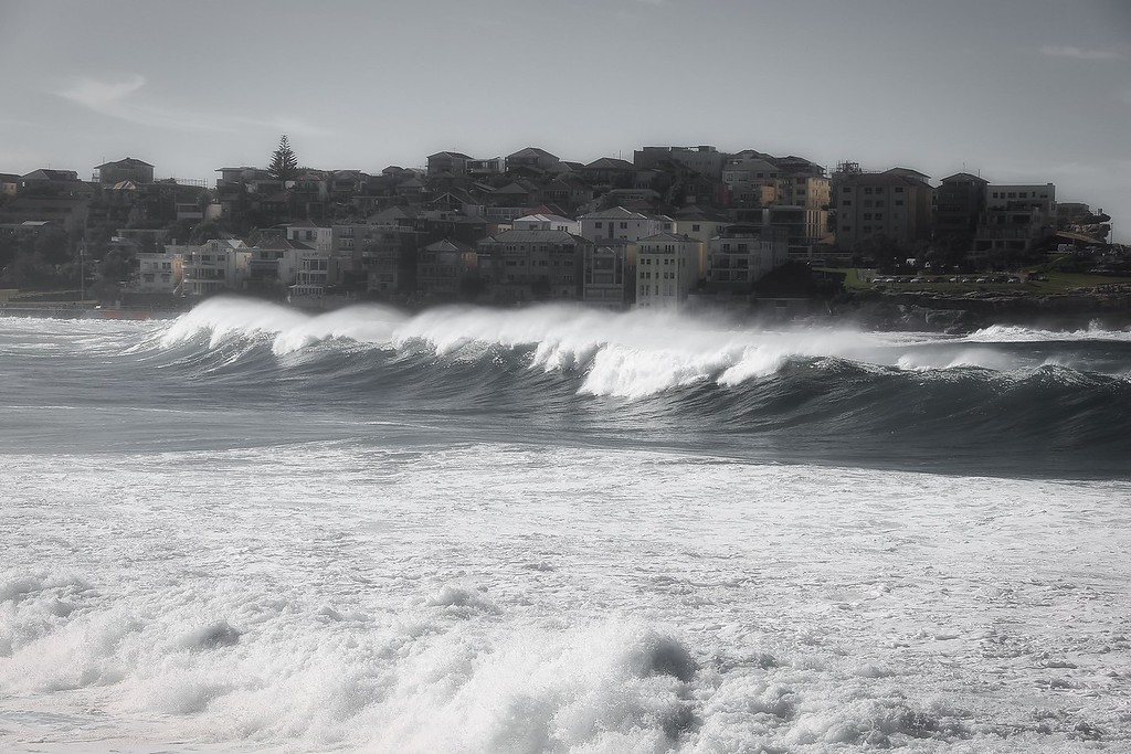 Bondi Beach Swell 08