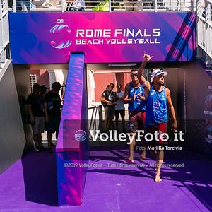Crabb Tr. - Bourne USA vs Rossi - Carambula ITA [Pool B Men] FIVB Beachvolleyball World Tour Finals presso Foro Italico Rome IT, 5 settembre 2019. Foto: MariKa Torcivia per VolleyFoto.it [riferimento file: 2019-09-05/Cover5-4]