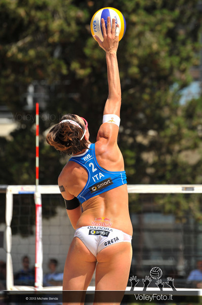 Greta Cicolari ITA battuta > FIVB Beach Volleyball World Tour | Grand Slam Roma 2013