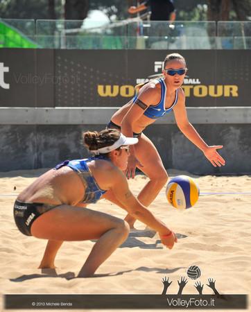 Laura Giombini in ricezione e Daniela Gioria sulla sabbia del Foro Italico a Roma > FIVB Beach Volley World Tour | Grand Slam Roma 2013