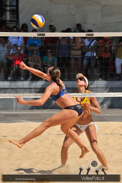 Daniela Gioria attacco acrobatico > FIVB Beach Volley World Tour | Grand Slam Roma 2013