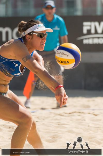 Laura Giombini in ricezione > FIVB Beach Volley World Tour | Grand Slam Roma 2013