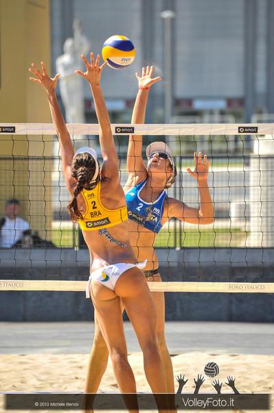 attacco Laura Giombini > FIVB Beach Volley World Tour | Grand Slam Roma 2013