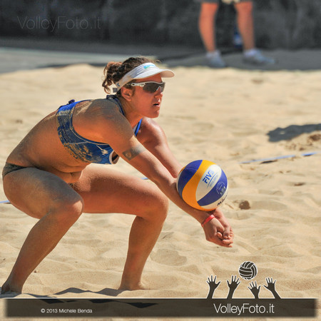 Laura Giombini in bagher > FIVB Beach Volley World Tour | Grand Slam Roma 2013