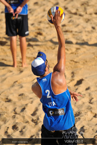 Daniele Lupo in battuta > FIVB Beach Volleyball World Tour | Rome Grand Slam 2013